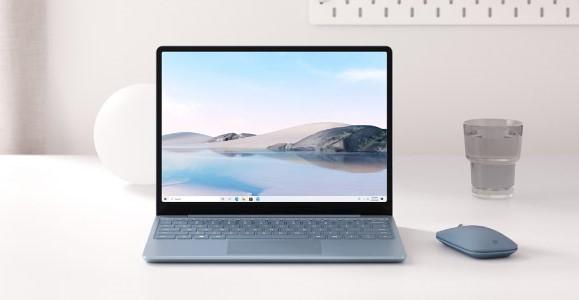 Surface Laptop Goアイスブルーの正面