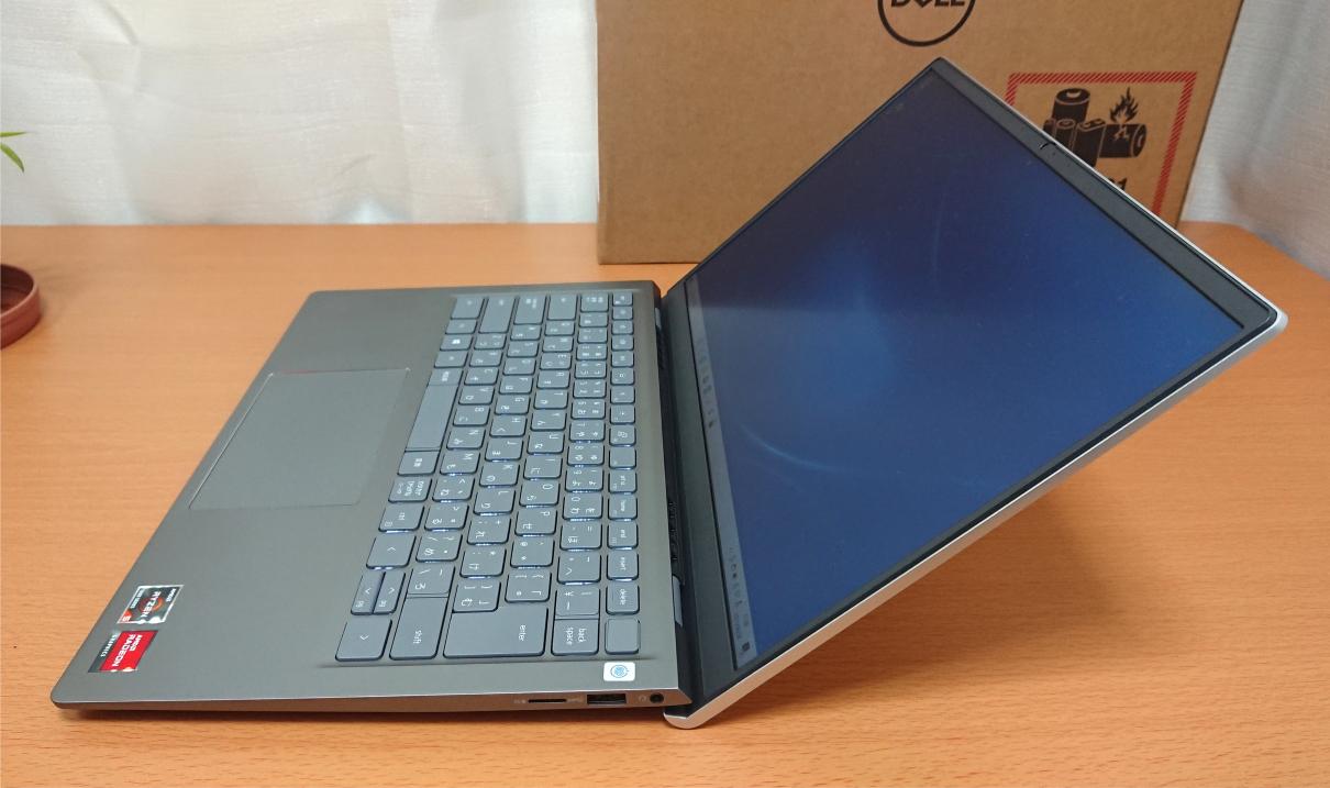 Dell Inspiron 14(5415)・プラチナシルバー:右側